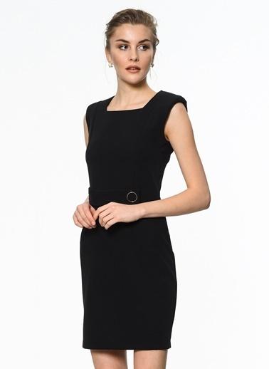 İroni Vatkalı Toka Detaylı Mini Elbise Siyah